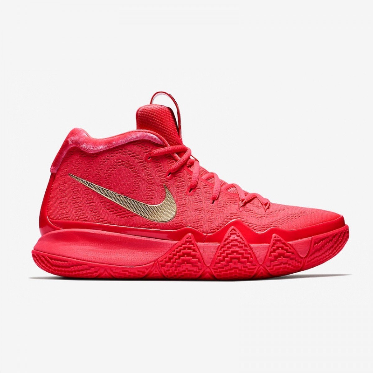 Nike Kyrie 4 'Red Carpet'