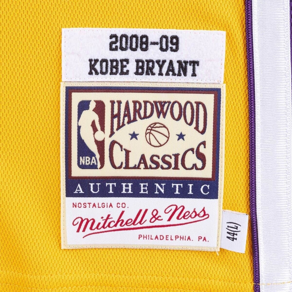 Mitchell & Ness Authentic Jersey L.A. Lakers Home Kobe Bryant '2008-09' AJY4CP19009