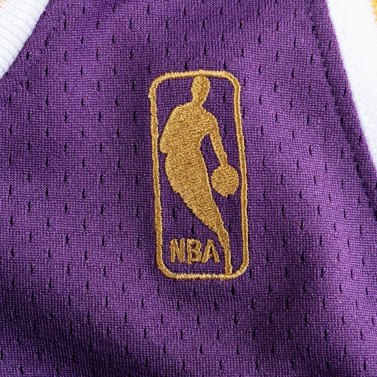 Mitchell & Ness Authentic Jersey L.A. Lakers Road Kobe Bryant '1996-07' AJY4GS18092